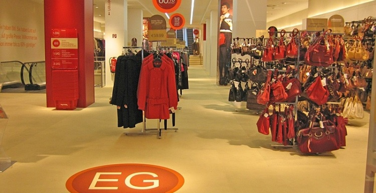Photo: everroll® – the elastic flooring for retail, service sector and work...