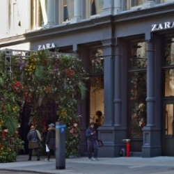 Thumbnail-Photo: Zara unveils a 47,361-square-foot flagship store in the heart of SoHo...