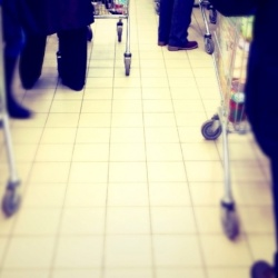 Thumbnail-Photo: How to get shorter lines in your store