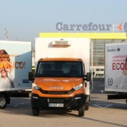 Thumbnail-Photo: Carrefour Spain rolls out compressed natural gas trucks in its fleet...