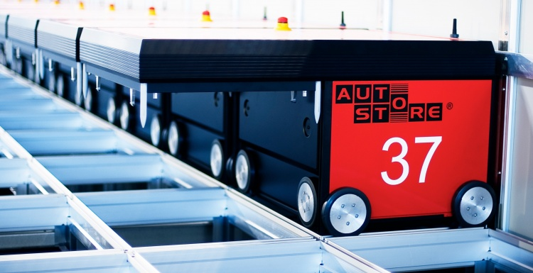 AutoStore robot; copyright: Salt Solutions