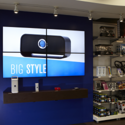 Thumbnail-Photo: Toshiba lifts customer experience & sales for Brookstone...