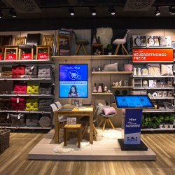 "Thumbnail-Photo: ""Omnichannel is not a retail invention but a response to customer..."