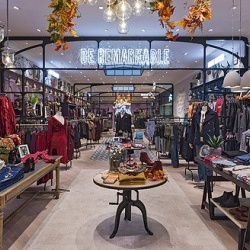 Thumbnail-Photo: Joe Browns debuts its first physical location at British Land's...