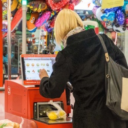 Thumbnail-Photo: The self-checkout paradox – faster or slower?...