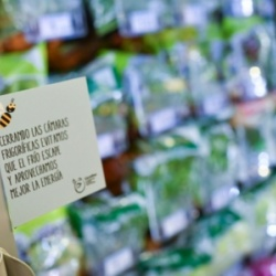 Thumbnail-Photo: Carrefour signs the 2018 French Business Climate Pledge...