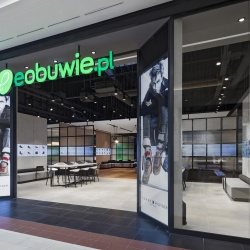 Thumbnail-Photo: eobuwie.pl brings digital fluidity to physical retail...