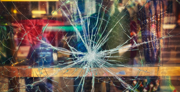 broken shop window; Copyright: panthermedia.net/pitrs10...
