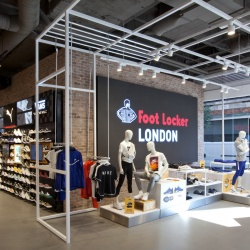 Thumbnail-Photo: What shop design can look like: Foot Locker in London...