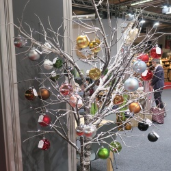 Thumbnail-Photo: Christmas tree alternatives: Christmas decorating tips, part 5...