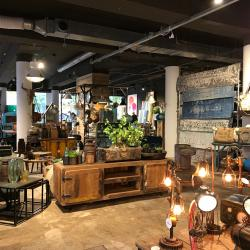 Thumbnail-Photo: What shop design can look like: Indistrieel - India meets Industrial...