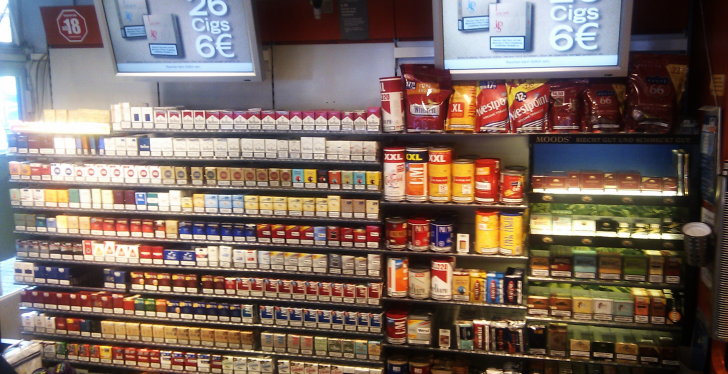 Tobacco shelf at petrol station; copyright: Aral