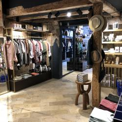 Thumbnail-Photo: What shop design can look like: the Blaw men concept store in Barcelona...