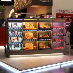 Thumbnail-Photo: Invisible light sources and dynamic lighting solutions in retail stores...