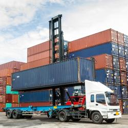 Thumbnail-Photo: COVID-19: Freight activity falls after historic rise with disruption...