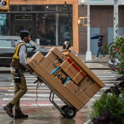 Thumbnail-Photo: Outdated last-mile delivery technology