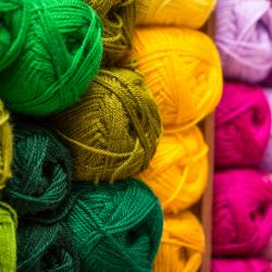 Thumbnail-Photo: All knitted and sewn up: an online yarn retailer takes a stationary...