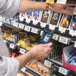 Thumbnail-Photo: SPAR grocery store embraces new technologies...