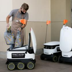 Thumbnail-Photo: Contactless robotic grocery delivery service...