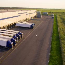Thumbnail-Photo: 5 reasons outsourcing logistics is the way to go...