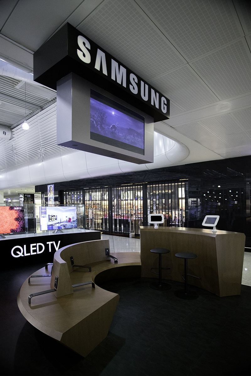 Samsungs sitting area at the Athens International Airport; copyright: STIRIXIS...