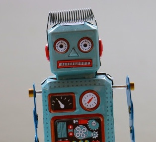 Small homemade toy robot; copyright: Rockn Roll Monkey/Unsplash...